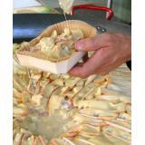 Sformato di patate cucinato nel suo piatto per gratinare